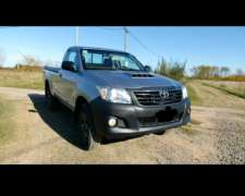 Camioneta Toyota Hilux 4X2