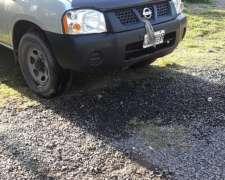Camioneta Doble Cabina Nissan MP300