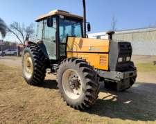 Tractor Valmet 1380 con Cabina