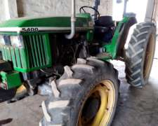 Tractor John Deere 5400 4X4