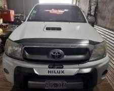 Toyota Hilux Cabina Doble 4X4 SRV