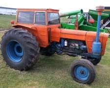 Tractor Fiat 900 .