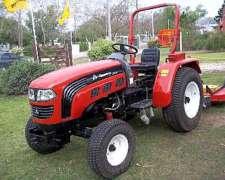 Tractor Hanomag con Desmalezadora