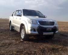 Toyota Hilux SRV 2012