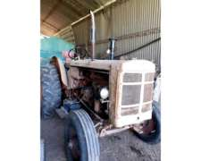 Tractor Hanomag 55 sin Cabina