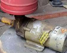 Bomba de 12 Volts con Filtro