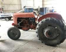 Tractor Fiat 411 R con Tercer Punto