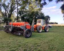 Sembradora y Tractor , Listo para Salir