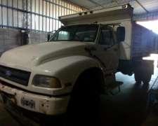Ford 14000, con Vuelco Lateral