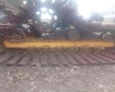 Orugas Metal Estuvieron Puesto en Claas Lexion 570
