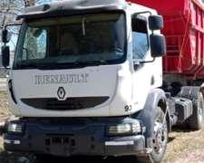 Renault Midlum 300 año 2010 Tractor con 700000 KM. Gomas del