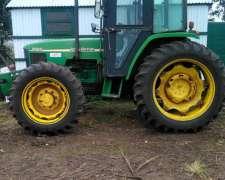 Tractor John Deere 5705 con Tres Puntos y Piloto