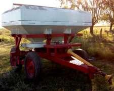 Vendo Fertilizadora de Arrastre, Usada