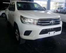 Toyota Hilux Sr 4x2 Doble Cabina 0km