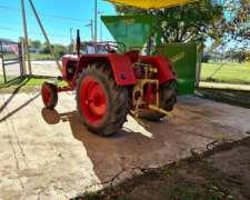Tractor Fahr 440 con Tres Puntos y Toma de Fuerza