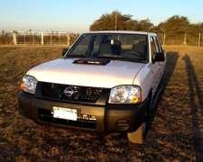 Nissan Np300, año 2010, Buen Estado, Consulte