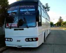 Colectivo Motorhome - 6 Camas Cuchetas + Espacio Trasero