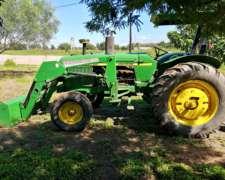Tractor John Deere con Pala Hidráulica