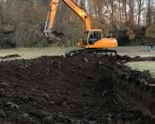 Excavadora Hyundai Modelo 210.