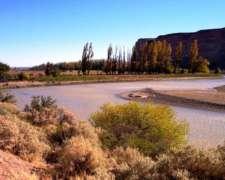Campo con 8 km de Costa Sobre el Rio Chubut