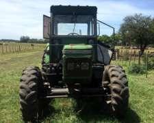 Tractor John Deere 2300 4X4