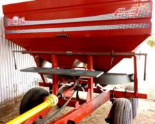 Fertilizadora Metalpaz F3 4.000 L. 2.016. Balancin.