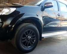 Toyota Hilux Limited Srv 3.0 4x4 Cuero A.t