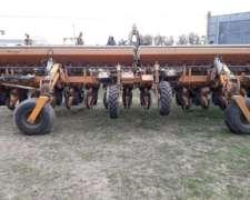 Sembradora Agrometal TX Mega 16 a 52