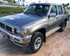 Toyota Hilux 2.8 D/ Cabina 4X4 D SR5 año 1998