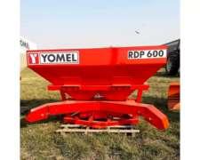 Fertilizadora Yomel RDP600 con Distribuidores Laterales
