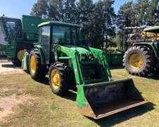 Tractor 5725 John Deere 2013