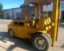 Autoelevador Diesel 6000 Kilos a 3 Metros