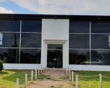 Alquilo Local Y Deposito Frente Rotonda De Lincoln Exelente