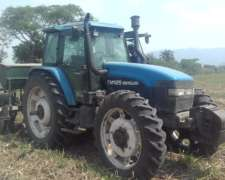 Tractor Newhollands TM 125.