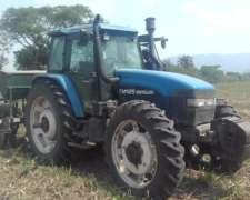 Tractor Newhollands TM 125.