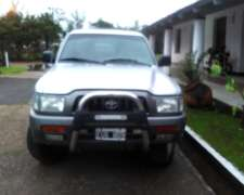 Toyota Hilux 2005 Impecable