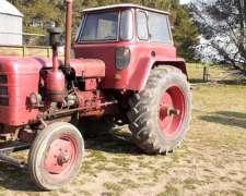 Tractor Farh D400 con Salida Hidraúlico