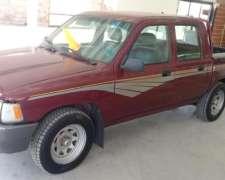Toyota Hilux año 99. 4X2 en Buen Estado