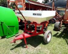 Fertilizadora Yomel RDA 1050 a Platillo con Cubiertas