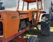 Fiat 700 e Motor a Reparar