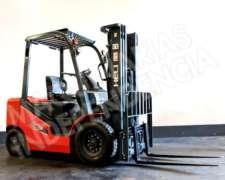 Autoelevador Heli 2500 Kg Diesel Isuzu CPCD25 Desplazador