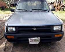 Toyota Hilux Doble Cabina 4x2 Modelo 1999