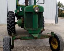 Tractor JD 730, año 1970