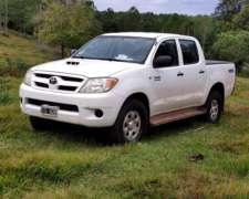 Vendo Toyota Hilux SR 4X2 2005
