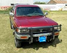 Toyota Hilux Sr5 4x4 99