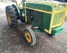 Tractor John Deere 2330