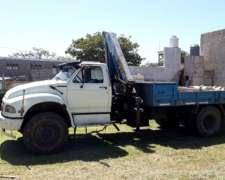 Camion Ford 14000 con Hidrogrua