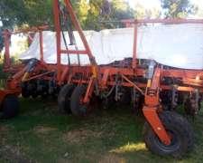 Sembradora Juber 5900 - 28 a 21 - 2012