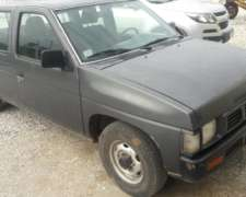 Nissan Diesel Mod. 2002 Muy Buen Estado - $ 210.000