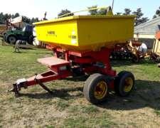 Fertilizadora Metfer 3200 KG, con Balanza Magris
